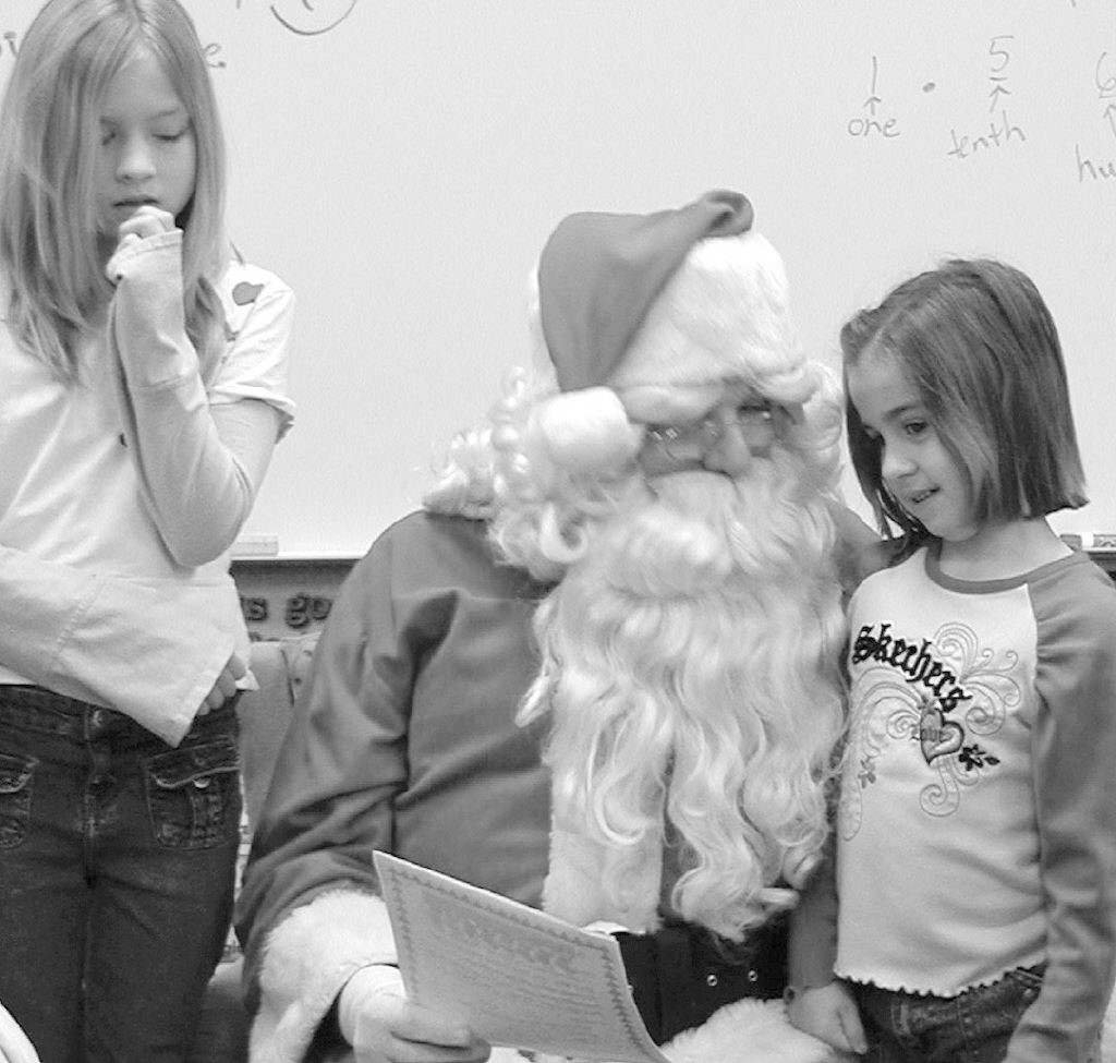 Santa Visits St Ignace Students  St Ignace News